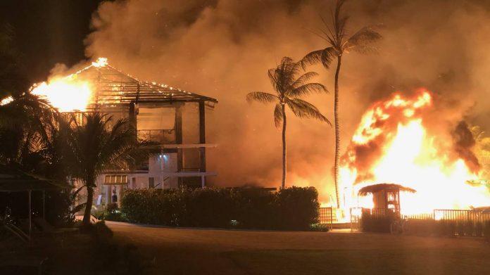 Incêndio destruiu parte do resort Foto Monroe County Sheriff's Office