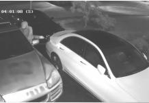Ladrões levaram todos os pertences de carros de moradores em West Boca