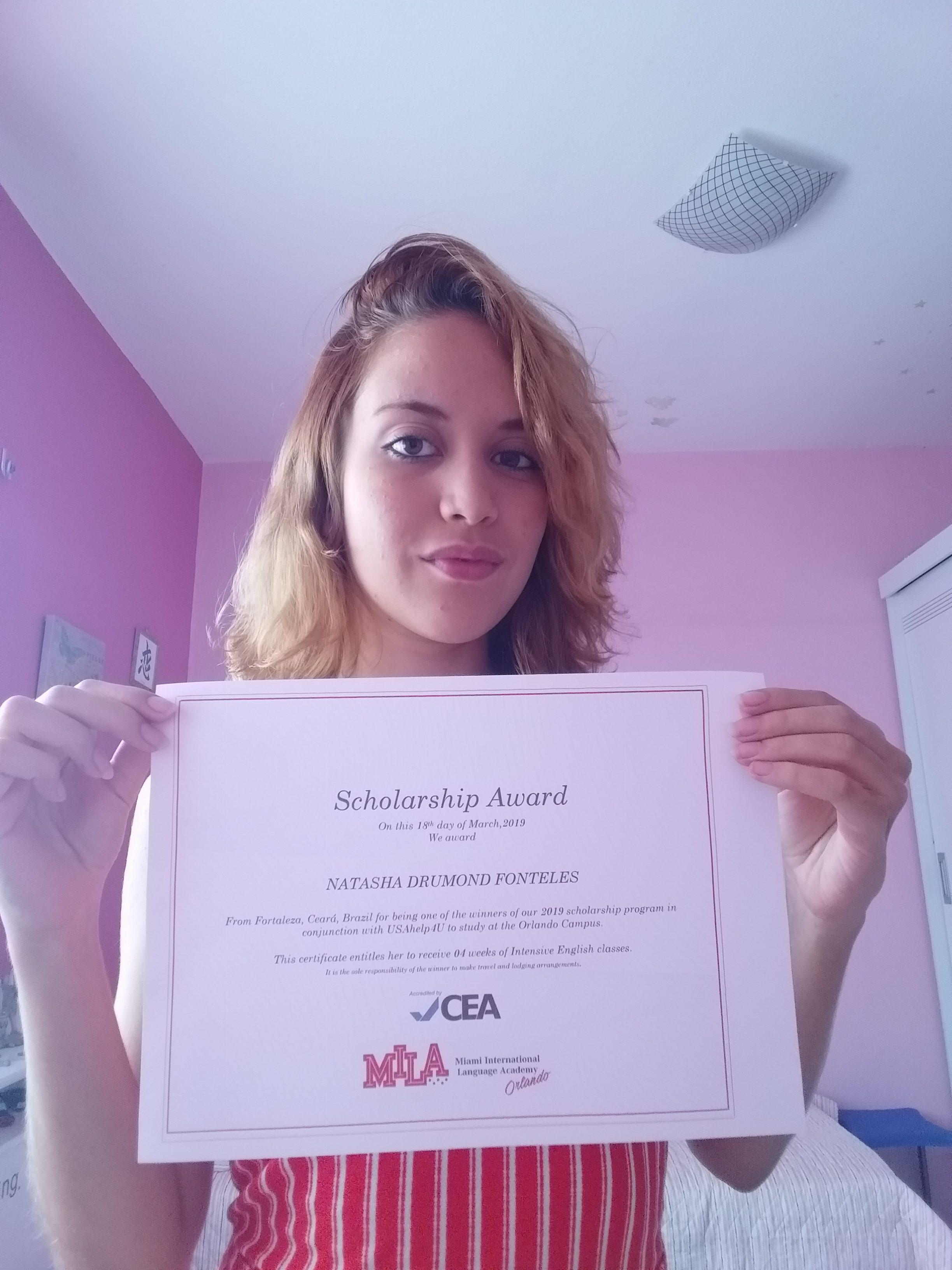 Natasha com certificado