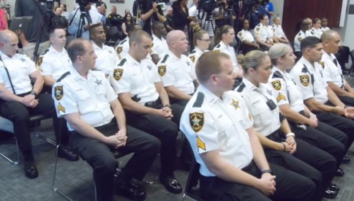 Policiais serão treinados para cooperar com o ICE