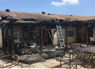 Churrasco na varanda acabou em incêndio em Deerfield Beach (Foto divulgação dos bombeiros)