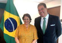 Ministra Damares Alves ao lado do embaixador João Mendes em Miami (Foto: André Freitas/AcheiUSA