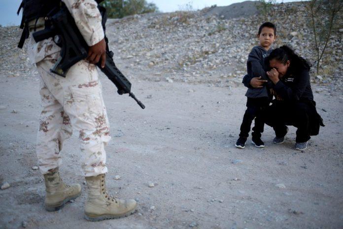 Quantidade de crianças deu um salto gigantesco passando de 712 em abril para 4,4 mil em novembro (foto: Jose Luiz Gonzalez/ Reuters)