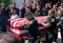 Colegas homenagearam policial morto em acidente em Deerfield Beach (Foto Cortesia - Broward Sheriff's Office)