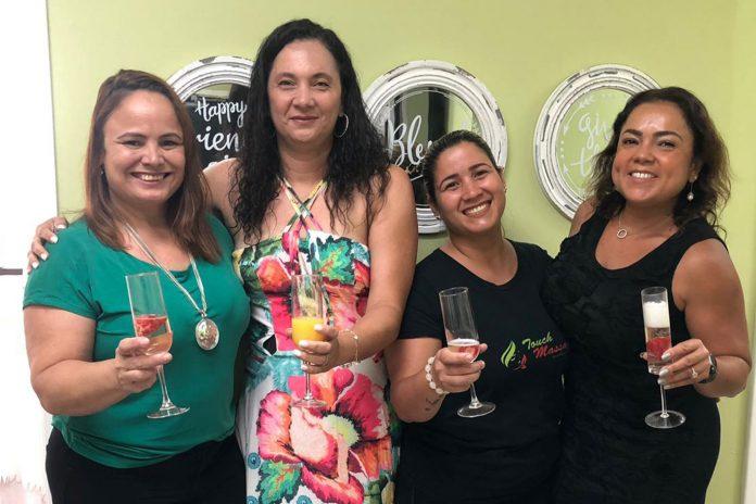 Andrea Oliveira, Aline Rocha, Cristiana Campos e Cida Lopes