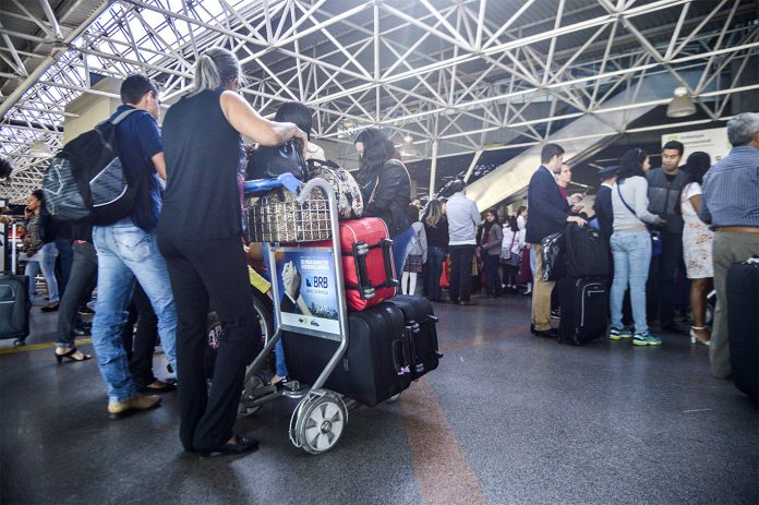 Novo regulamento da Anac prevê cobrança da bagagem despachada por empresa aérea (Foto: José Cruz/Agência Brasil)