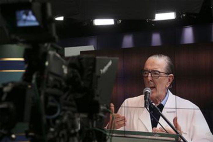 O cirurgião Antonio Luiz Macedo fala sobre o estado de saúde do presidente (Foto: Marcello Casal Jr/Agência Brasil)