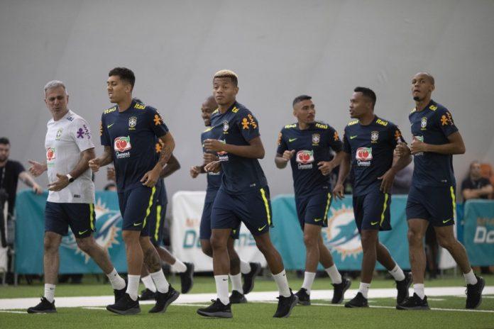 Seleção treina de olho nas partidas contra Colômbia e Peru (Foto: Lucas Figueiredo/CBF)