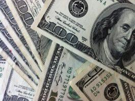 Nas últimas semanas, o dólar tem subido em meio a questões políticas no Brasil e à continuidade das tensões comerciais entre Estados Unidos e China