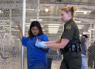 O aumento no número de crianças tentando entrar ilegalmente na América com suas famílias exige um cuidado maior das autoridades de imigração (Foto: Gerald Nino – USDHS)