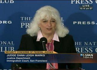 Dana L. Marks, presidente honorária da NAIJ (Foto: Reprodução C-SPAN)