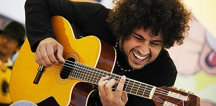 O instrumentista Diego Figueiredo (Foto: Divulgação)