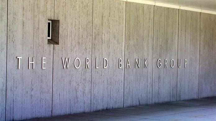 Banco Mundial projeta também que a economia global deve crescer ligeiramente menos neste e no próximo ano (Foto: Flickr)