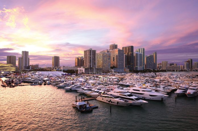Miami Yacht Show (Foto: Forest Johnson)