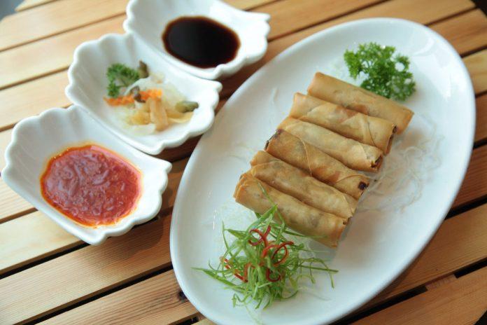 Restaurantes vão servir comida a médicos por um ano (Foto: Wikimedia Commons)