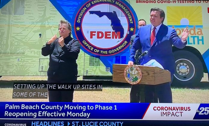 O governador da Flórida, Ron DeSantis, em entrevista coletiva (Reprodução ABC)