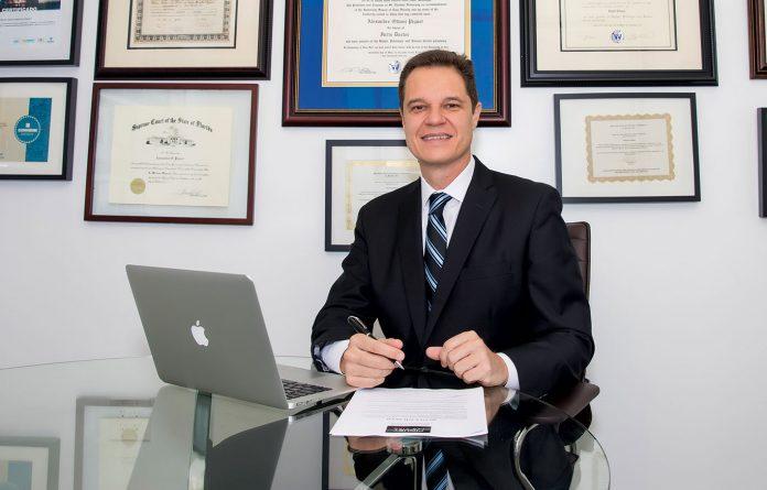 Alexandre Piquet, advogado de imigração do escritório Piquet Law Firm, localizado em Miami (Foto: Divulgação)
