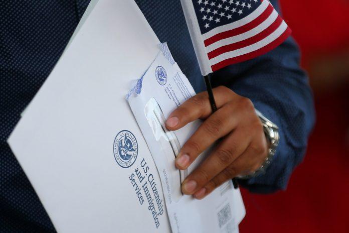 Em maio de 2019, o USCIS já havia anunciado mudanças nas questões cívicas do teste (foto:Reuters - Mike Blake)