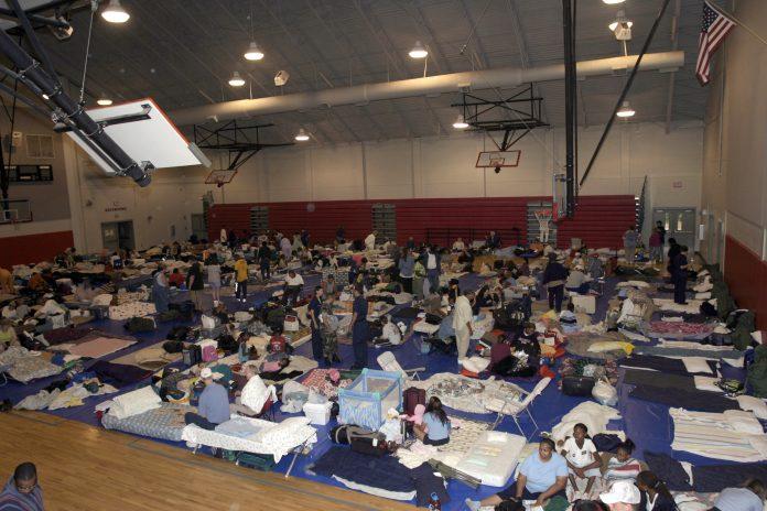 Abrigo em escola (foto: wikimedia)