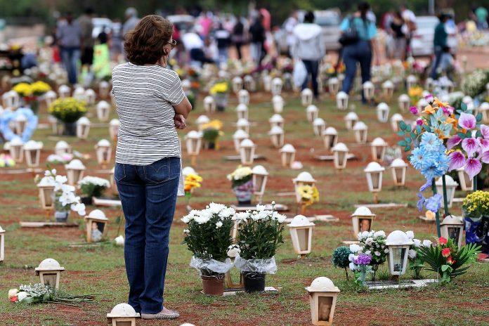 Brasília - Cemitério Campo da Esperança (Wilson Dias/ Wikimedia Commonns)