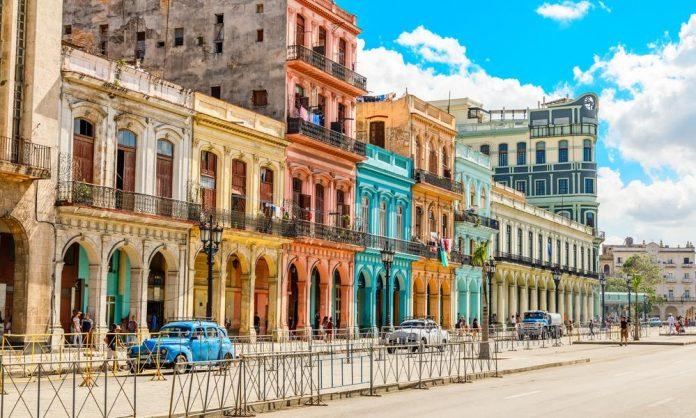 Americanos ficam proibidos de se hospedarem em 433 hoteis de Cuba (foto: pixabay)