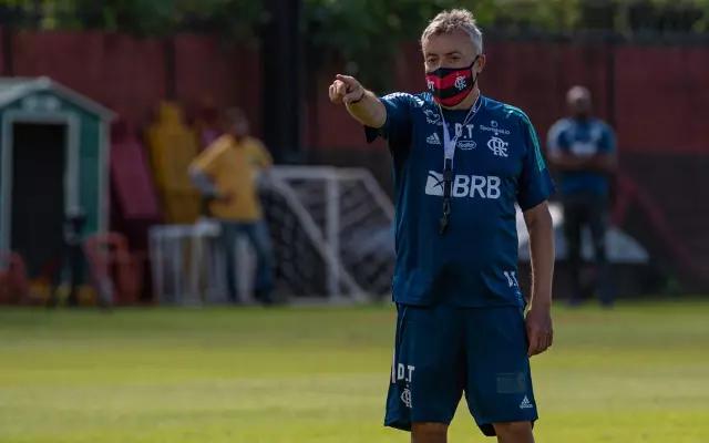 Até mesmo o técnico do Flamengo, Domenec Torrent, pegou covid-19, por isto o Mais Querido quer adiar a partida (Foto: colunadofla.com)