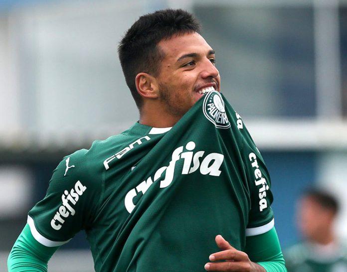 Gabriel Menino marcou seu primeiro gol como profissional na vitória do Palmeiras sobre o Bolívar na altitude de La Paz (Foto: Palmeiras)