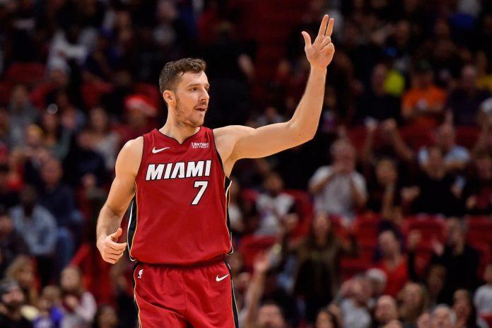Goran Dragic foi um dos responsáveis pela boa vitória do Miami Heat sobre o Milwaukee Bucks no segundo jogo das semifinais da Conferência Leste (Foto: Divulgação NBA)