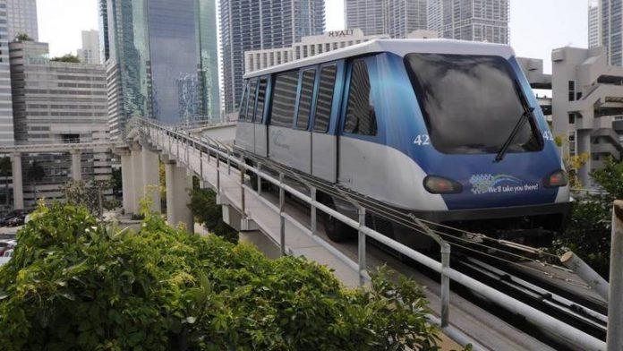 Miami-Dade está reforçando a segurança de seu sistema Metromover automatizado