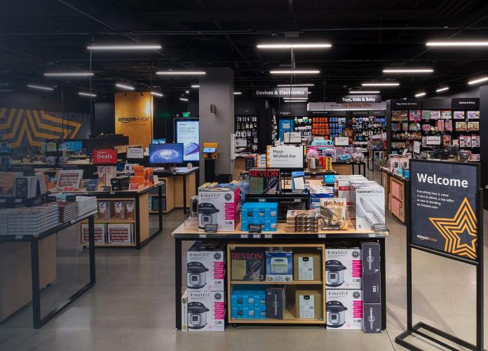 A Amazon 4-star fica localizada no piso inferior do shopping Palm Beach Gardens (foto: Amazon)
