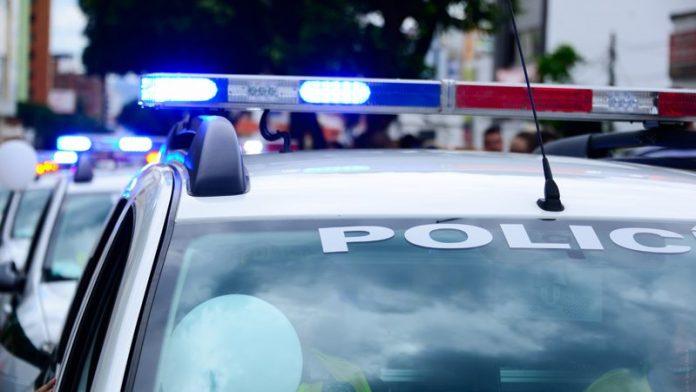 Os policiais pensaram que o menino estava armado (foto: pixabay)