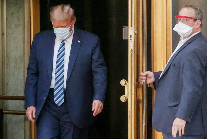 Trump deixou o Walter Reed National Military após três dias de tratamento (foto: Jonathan Ernst)