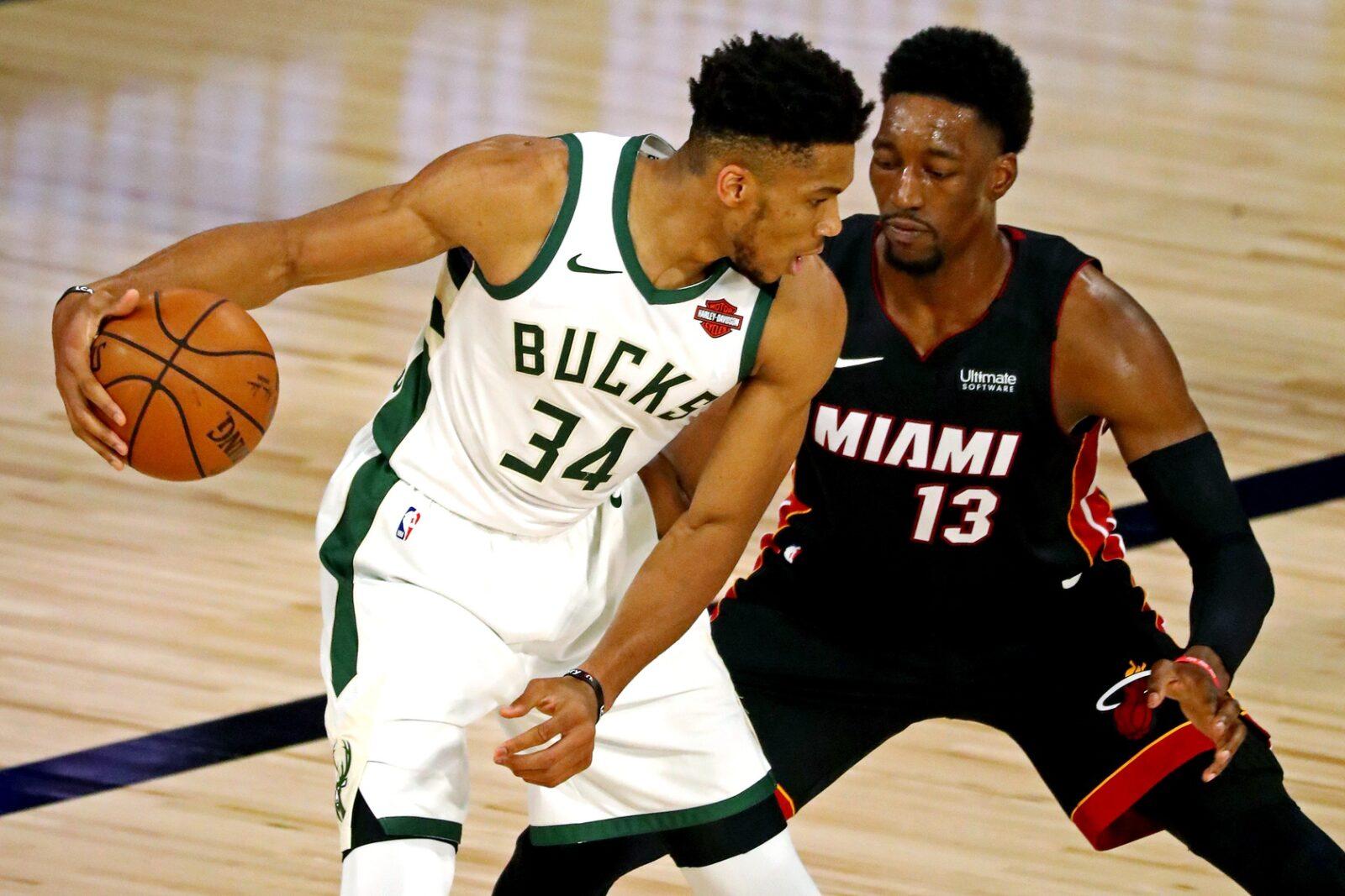 Giannis Antetokumpo (na foto com Bam Adebayo) pode ser a nova aquisição do Miami Heat para a próxima temporada (Foto: Heatnation.com)