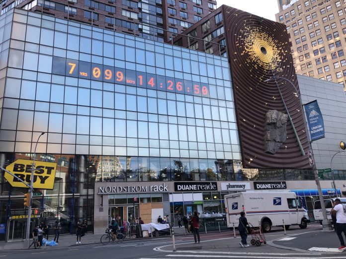 Climate Clock em exposição no Union Square, em NY (Foto: Sandra Colicino)
