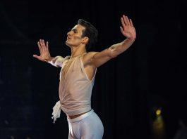 Iago Bresche no papel de Apollo, by George Balanchine, San Diego (CA) (Foto: Divulgação)