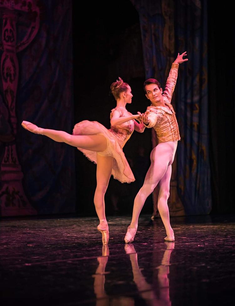 """Iago Breschi e Ariana Gonzalez performam """"O Quebra Nozes"""" Spreckels Theatre, San Diego (CA) (Foto: Divulgação)"""