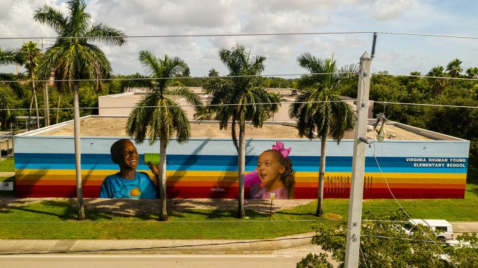 Mural da escola Virginia Shuman Young Elementary em Fort Lauderdale (Foto: Arquivo pessoal)