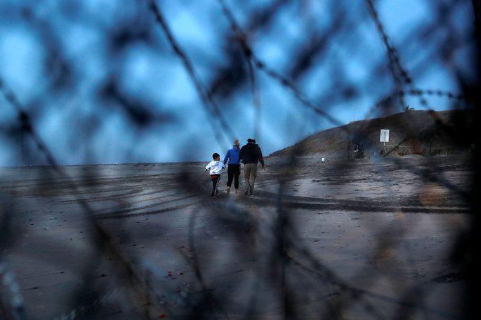 94% dos brasileiros usam a fronteira com o México para entrar ilegalmente nos Estados Unidos (Foto: Carlos Garcia Rawlins/Reuters)