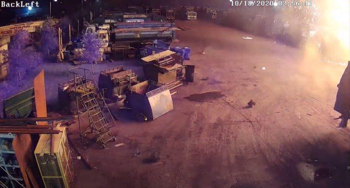 Imagens das câmeras de segurança da Waste Pro divulgadas pela polícia de Broward
