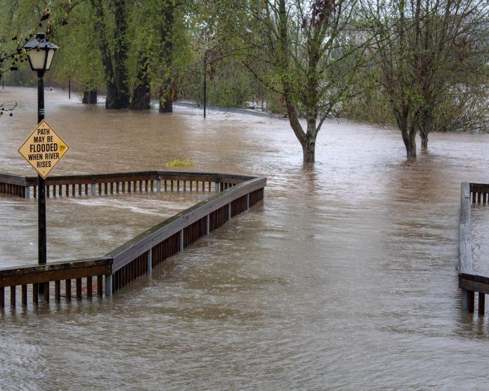 Segundo o NWS, entre 5 e 15 centímetros de chuvas podem se acumular em algumas áreas destes condados (foto: flickr)