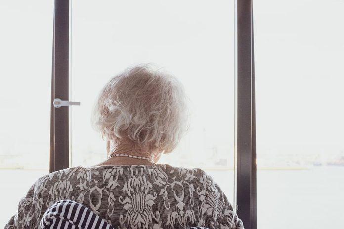 Ideia inicial era enviar cartas com mensagens de encorajamento aos idosos (foto: pixfuel)