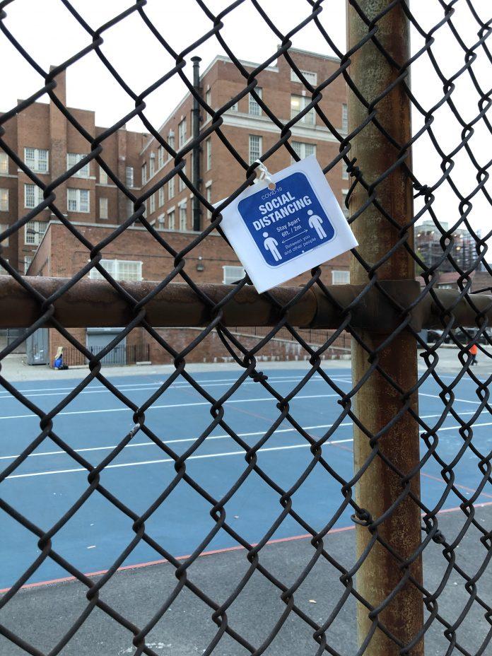 O novo lockdown afetou primariamente bairros onde há predominância da comunidade judaica ortodoxa (foto: reprodução)