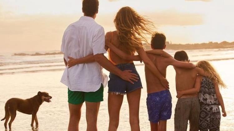 Família Brady Bundchen em praia na Flórida (Foto: Reprodução/Instagram)