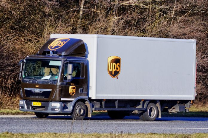 Caminhões da UPS e Fedex fizeram os primeiros carregamentos da vacina (foto: wikimedia)