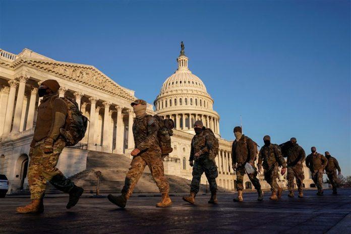 Guarda Nacional enviou pelo menos 21 mil soldados para reforçar a segurança na posse (foto: NBC News)