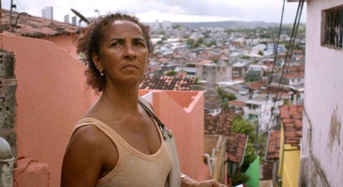 'Inabitável' é protagonizado por Luciana Souza (Foto: Gustavo Pessoa/Divulgação)