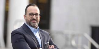 Se eleito, Roberto Alves será o primeiro imigrante a ocupar a cadeira de prefeito da cidade de Danbury, CT (Foto: Arquivo pesoal)
