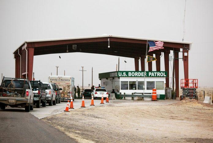 O veículo foi interceptado quando cruzava um posto de inspeção do Customs and Border Patrol (CBP) (foto: flickr)
