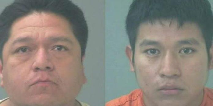 Frank Leija Moreno (esquerda) e Jackson Perez-Godinez levavam as crianças para as regiões central e sul da Flórida (foto: Santa Rosa Sheriff's Office)