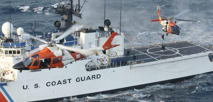 Navio partiu de Bimini nas Bahamas com destino à Lake Worth, no sul da Flórida (foto: U.S Coast Guard)